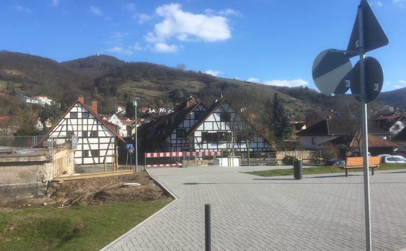 Anfrage zum Projektstand der Gestaltung des Bahnhofsgeländes einschließlich Fußwegeverbindung zur Melibokusstrasse
